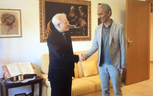 LATINA – Incontro del Sindaco Coletta con il Vescovo di Latina, Monsignor Crociata.