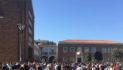 Il giorno del dolore a Pomezia, folla ai funerali delle vittime del terremoto
