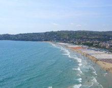 Terracina – Erosione della costa, incontro con i balneari