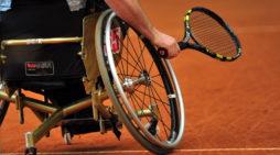 """Sul litorale romano, a Lavinio, una delle prime scuole nel centro Italia di """"Tennis in Carrozzina""""."""