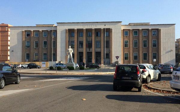 APRILIA -Tentò di investire la sua ex davanti alla caserma dei Carabinieri: condannato ad 8 anni e 3 mesi.
