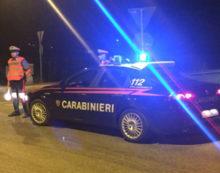 """Minacciano di morte i Carabinieri dopo aver forzato un controllo in via Francia: in 2 in arresto. I residenti: """"Abbiamo paura"""""""