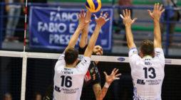 Pallavolo maschile A1 – L'Azimut Modena si aggiudica in tre la sfida contro Latina