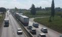 Incidente autonomo sulla Pontina, ad Aprilia: ferito un motociclista.