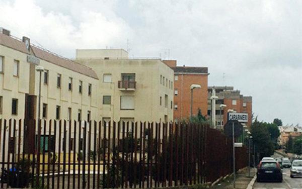 APRILIA – Custodiva in cantina centinaia di taniche e bottiglie piene di carburante.