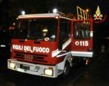 Vivaio in fiamme a Cisterna in via Bufalareccia.
