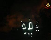 Incendio devasta un ristorante ad Albano, muoiono i 4 cani del proprietario