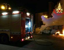 Auto in fiamme nella zona di Borgo Montenero, a San Felice Circeo.