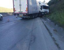 Tir di traverso sulla Pontina, ad Ardea, 8 chilometri di coda in direzione Roma.