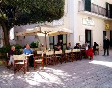 Mercato serale estivo nel centro storico di Sperlonga: accolta la richiesta dell'Ana Latina.