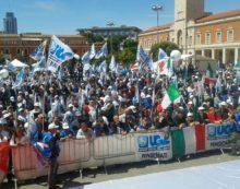 Primo maggio a Latina: corteo di Poliziotti giunti da tutta Italia.