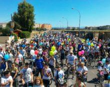 """Aprilia invasa da palloncini e biciclette, successo per la """"Pedalata per un Raggio di Sole"""""""