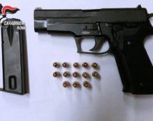 Girava con una pistola carica, bosniaco arrestato a Tor San Lorenzo