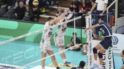 Volley di Superlega: la Taiwan Excellence Latina superata al tiebreak da Trento.