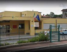 """APRILIA – Infiltrazioni di acqua nel tetto della mensa della scuola elementare """"Lanza"""" di Campo di Carne."""