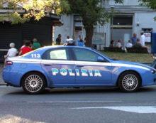 Volto e mani insanguinate all'arrivo della Polizia: a Latina in manette un marito violento.