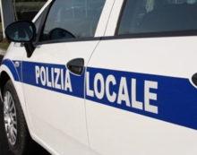 ALBANO – Operazione di sgombero in via Casette, a Pavona: in azione la Polizia Locale.