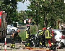 Grave incidente frontale sulla Nettunense, ad Aprilia: muore una donna