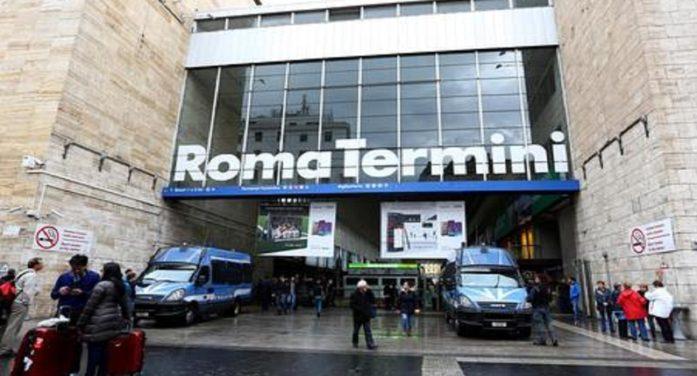 11enne rom, residente ad Aprilia, accoltellato a Termini da un 29enne italiano che pensava di essere stato derubato.