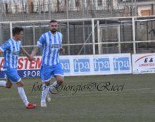 Calcio di serie D, girone G: il 23esimo turno si chiude lunedì con il posticipo Budoni-Aprilia.