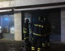Principio d'incendio all'interno di un bar di via della Vittoria, a Terracina.
