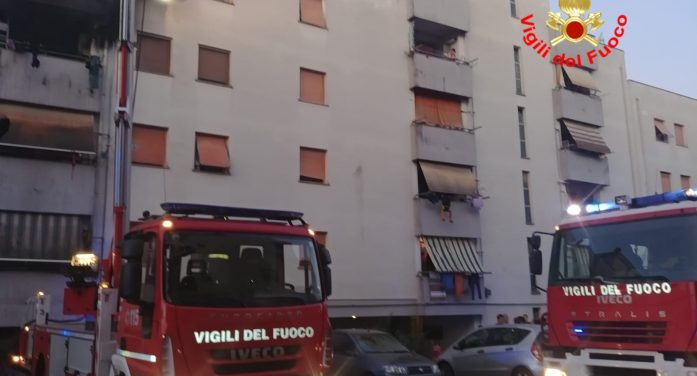 Incendio a Cisterna, 9 famiglie restano senza casa