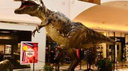 """Ad """"Aprilia2"""" per tutto il mese di agosto  la suggestiva mostra """"R-Evolution"""", con dinosauri a grandezza naturale."""
