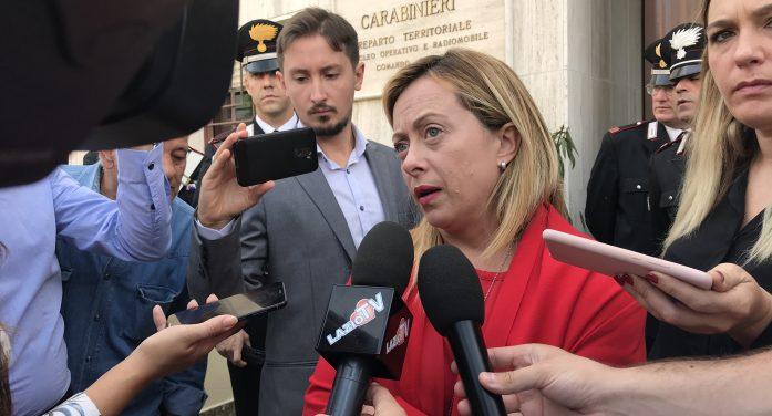 """Giorgia Meloni ad Aprilia: """"Chiederemo spiegazioni al Comune di Roma per le irregolarità in via Parigi"""" VIDEO"""