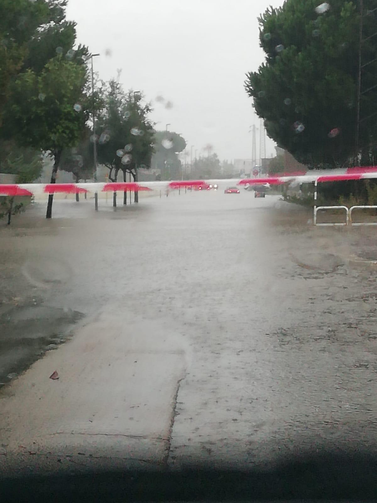 Maltempo Pioggia E Temporale Anche Ad Aprilia Strade