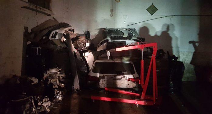 Smembravano auto di lusso e rubavano trattori per portarli in Romania, la Polstrada di Aprilia sgomina la banda di Le Ferriere