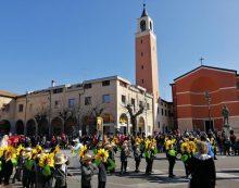Carnevale Apriliano, le sfilate delle scuole colorano piazza Roma FOTO