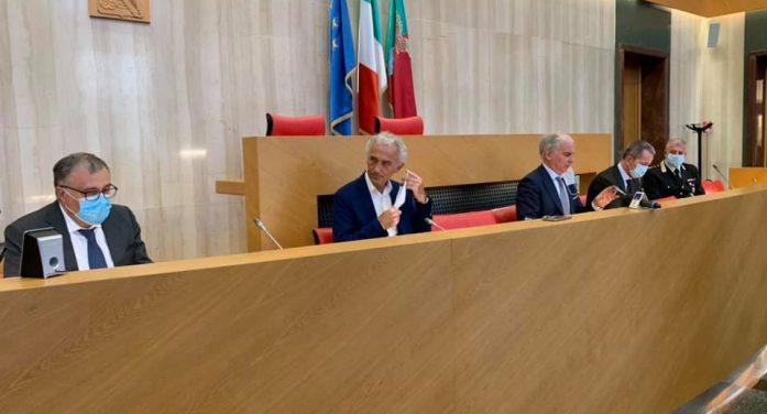 Vertice in Prefettura a Latina per le nuove misure anticovid: mascherine all'aperto. Il drive-in del Goretti si sposta al Sani.