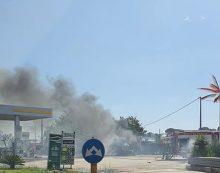 Pontina, incendio minaccia benzinaio. Disagi al traffico