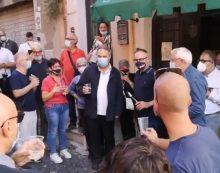 Albano, Massimiliano Borelli è il nuovo sindaco. Il brindisi della vittoria in strada VIDEO