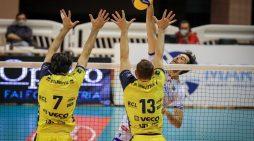 Pallavolo di Superlega: la Top Volley Cisterna lotta per oltre due ore ma cede al Modena al tie-break (2-3).