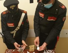 Coppia di spacciatori in arresto a Pomezia: sequestrate dosi di crack e hashish