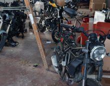 Capannone con le moto rubate scoperto dalla Polizia Stradale di Aprilia
