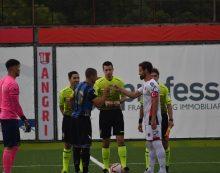 Calcio di serie D: il Latina si arrende alla Nocerina 4-0, ma resta ben salda al secondo posto.