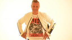 """PAOLO BELLI, grande amico di Studio 93, torna """"on air"""" con il nuovo singolo """"SIAMO LA FINE DEL MONDO"""""""