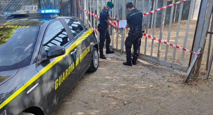 Lottizzazione abusiva nel sud pontino, a Minturno, la Guardia di Finanza sequestra 17 immobili e denuncia 25 persone campane.