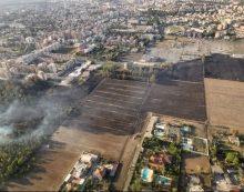 Incendio nella zona di via Isonzo, a Latina: le fiamme distruggono ben 35 ettari di vegetazione. Si sospetta il dolo. Indaga la Procura.