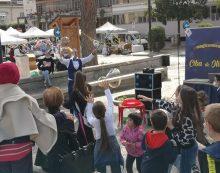 In tanti partecipano al mercatino di piazza Roma ad Aprilia